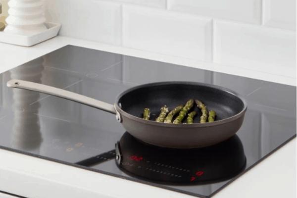 Bếp điện và bếp từ